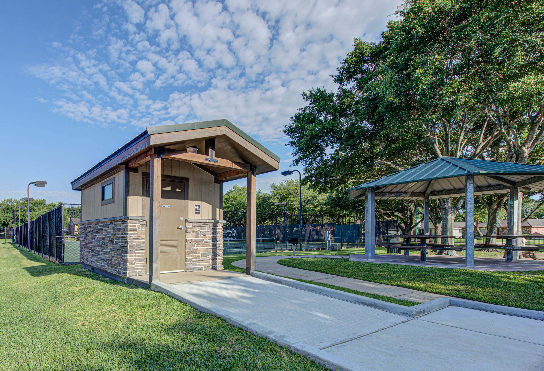 Park Restroom - Meadows Place, Texas