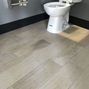 DURABLE WOOD-LOOK FLOOR